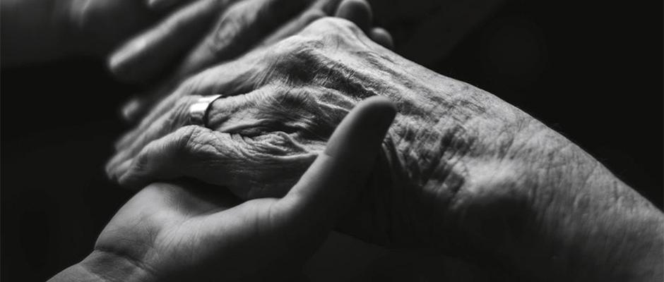 Cómo ayudar a un ser querido con una enfermedad terminal