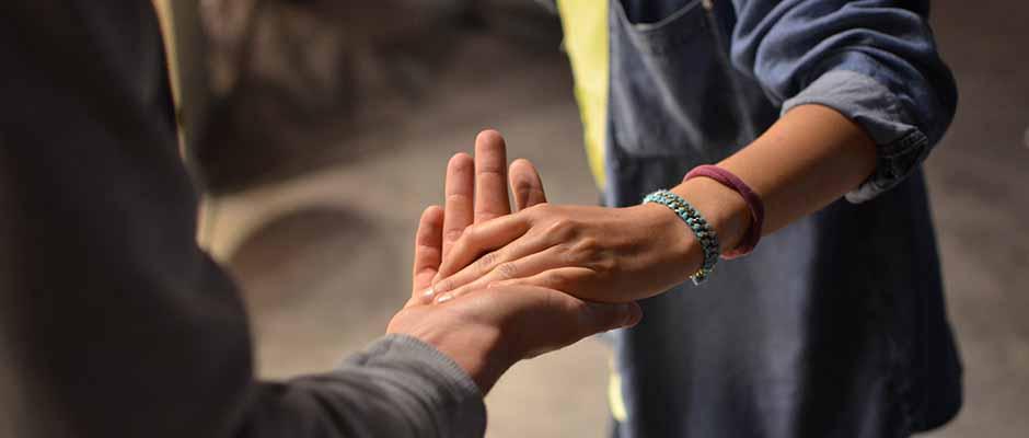 Maneras de ayudar a alguien que ha perdido a un ser querido