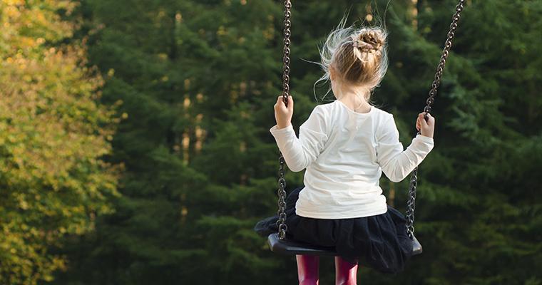 ¿Cómo reincorporar a un niño a su rutina después de un duelo?