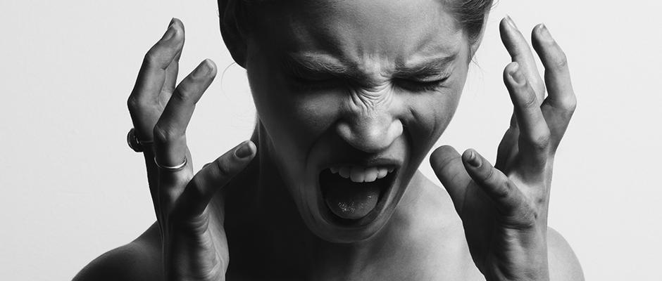 Llorar y gritar